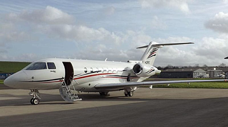 Comfy, VIP Flights on the Hawker 4000